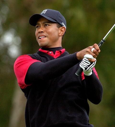 Tiger Woods Continues to Sink