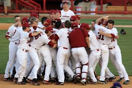 South Carolina Advances to the 2012 College World Series Finals