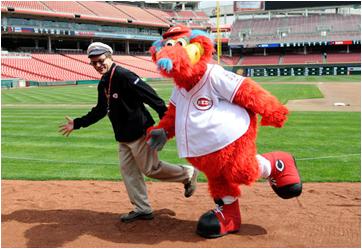 Cincinnati Reds Mascot Gapper
